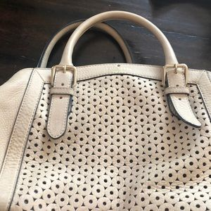 Cream Kate spade bag with cross body strap
